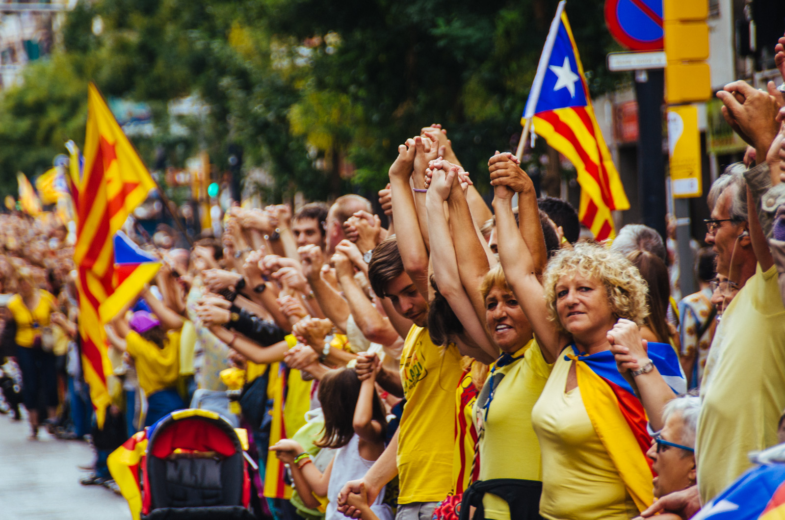 Catalan human chain at Plaça de Sants, Barcelona