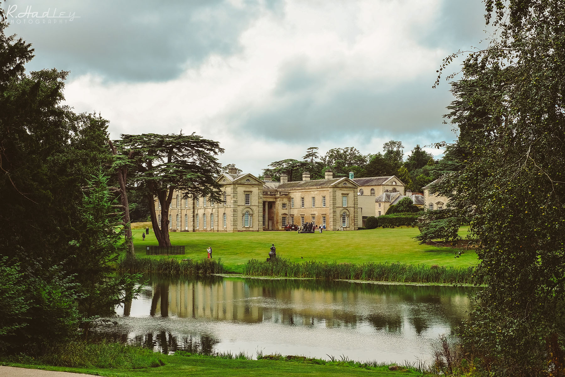 Wedding photographer visits Compton Verney, Warwickshire