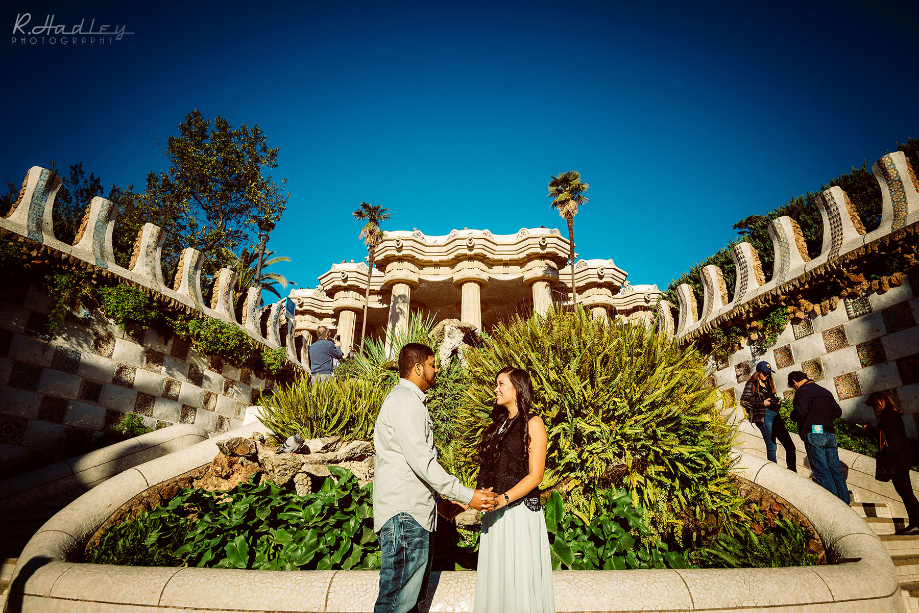 Engagement photo shoot in Park Guell, Barcelona