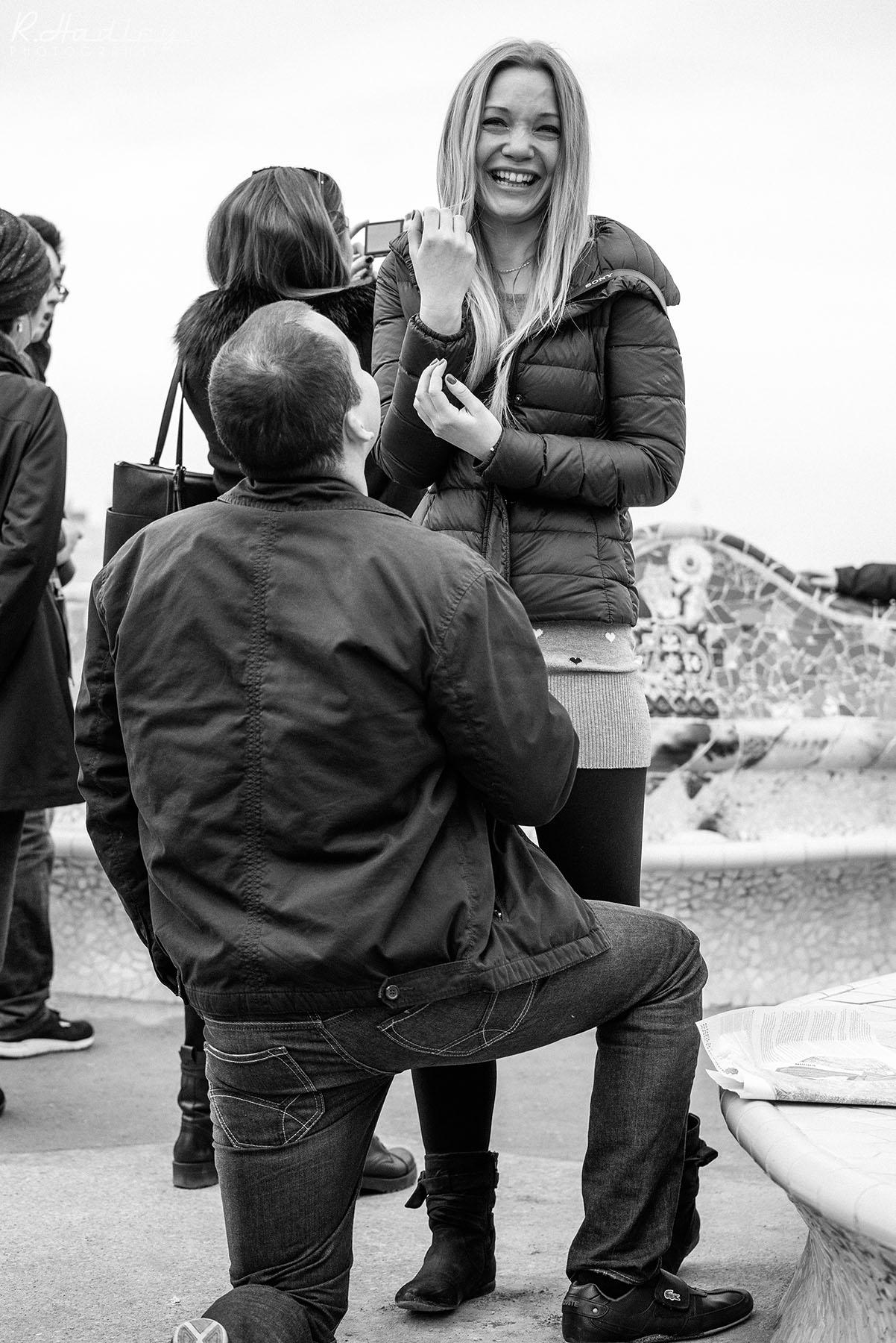 Portrait and engagment shoot with photographer in Park Guell, Barcleona